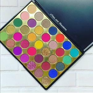 BNIB 42-Color Eyeshadow Palette Holly